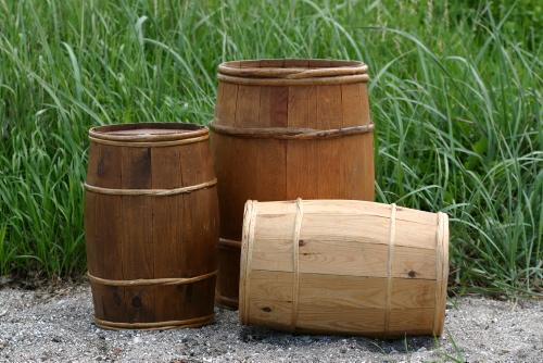 Tønder til vand og øl. Foto: Werner Karrasch, Vikingeskibsmuseet