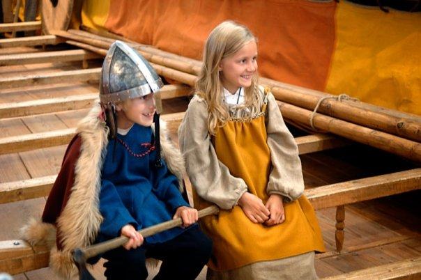 Klæd dig som en viking og leg dig tilbage til vikingetiden.