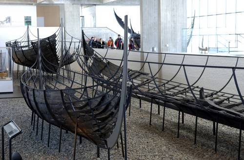 Each year, the Viking Ship Museum is visited by some 20,000 pupils from primary and secondary schools and students from various educational institutions.