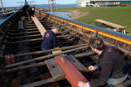 I 2006 lagde Vikingeskibsmuseets bådbyggere en afstivning i Havhingstens for at gøre skibet mindre fleksibilt.