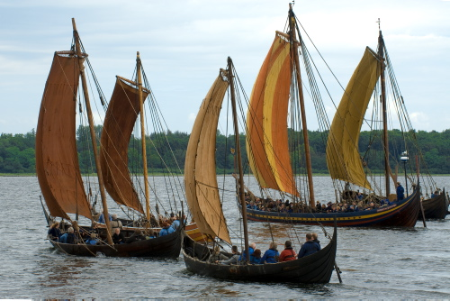 Helge Ask, Havhingsten, Ottar, Kraka Fyr og Roar Ege sejler på Roskilde Fjord