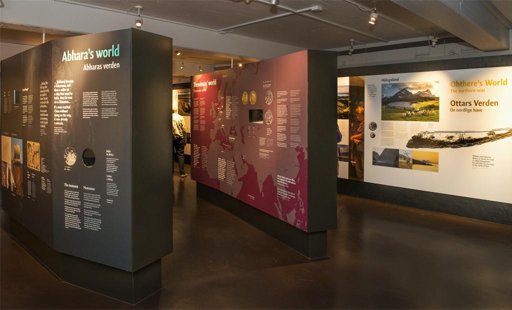 Billeder fra udstillingen 'Blodspor' 2005 - 2006