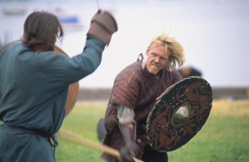 Krigere fra kampgruppen Ulfhednir. Foto: Werner Karrasch. © Vikingeskibsmuseet.