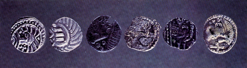 Der er fundet ca. 150 Sølvmønter, de såkaldte Sceattas, i Ribe fra tidlig vikingetid. Foto: Den Antikvariske Samling, Ribe