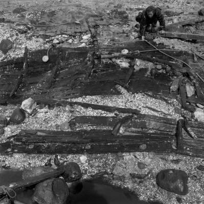 Udgravningsområdet blev tørlagt, så arkæologerne kunne komme til