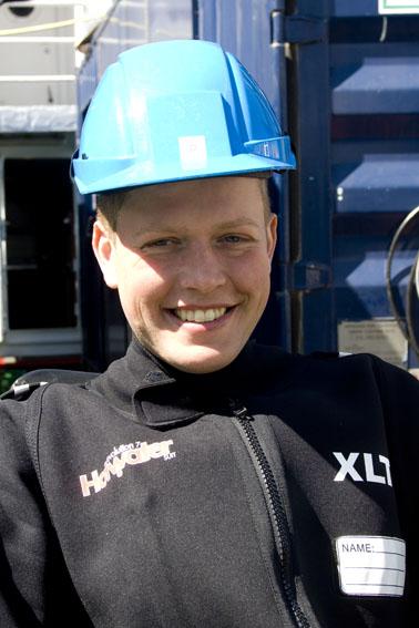 Martin Rasmussen: Erhvervsdykker hos JD-Contractor. Martin var gummibådsfører på Cable One da den var følgeskib på Havhingstens sejlads til Irland.