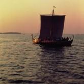 Vikingeskibsmuseets Venner arrangerer sejladser i vikingeskibene Helge Ask og Kraka Fyr den 20. august. Foto Werner Karrasch