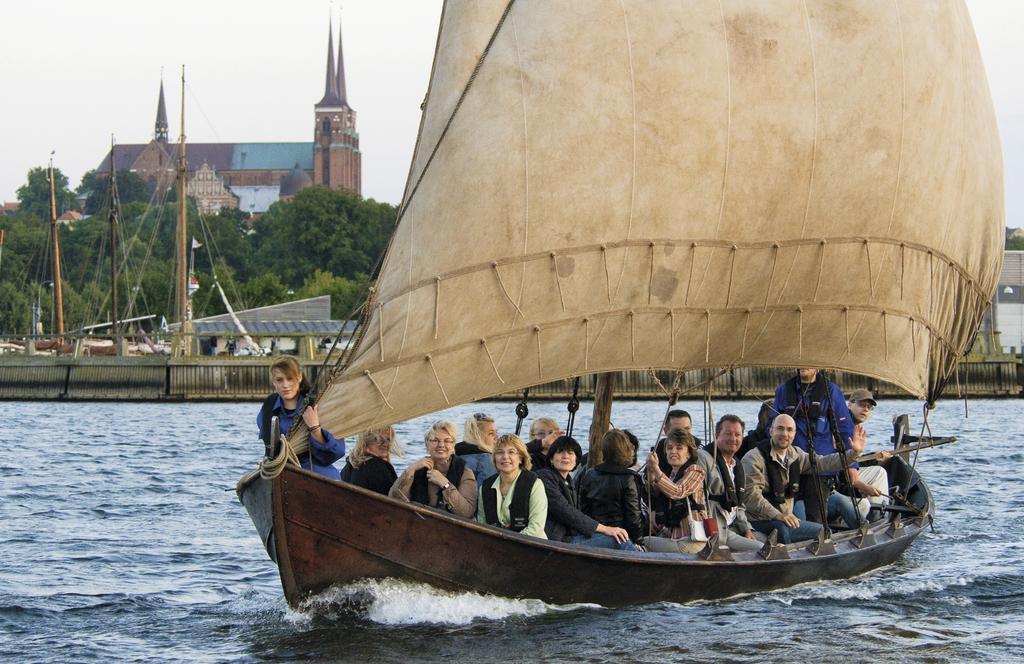 Få en større forståelse for vikingetiden ved selv at sejle ud med kammeraterne fra ungdomsuddannelsen