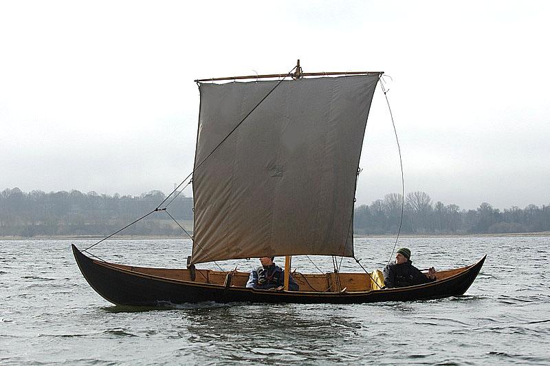 The small boat from Gokstad - Vikingeskibsmuseet Roskilde