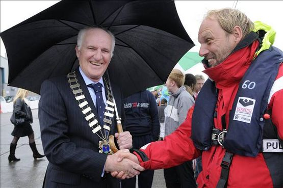The Mayor of Wicklow Town Council, John O'Brien, welcomes Carsten Hvid